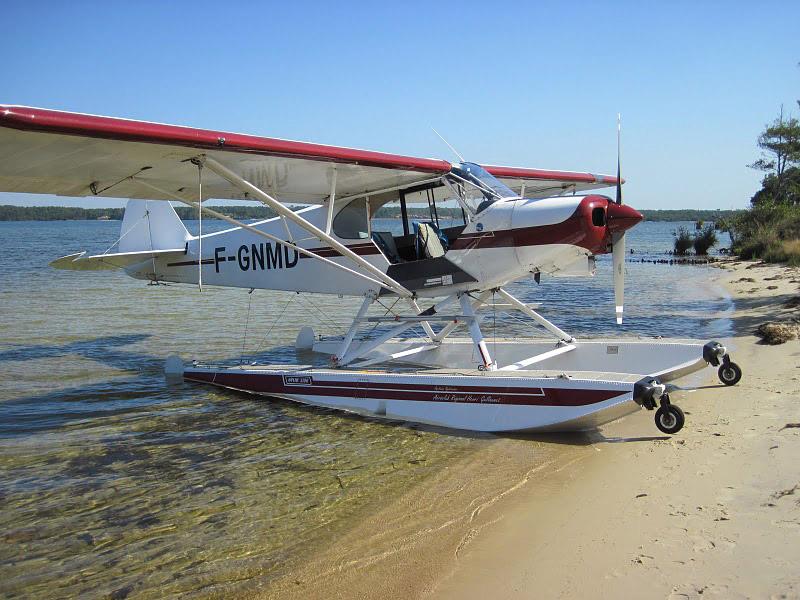 Hydravion sur le lac de Biscarrosse