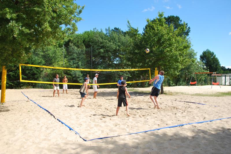 Beach volley au camping