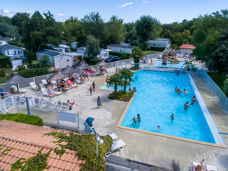 Camping équipé de 3 piscines